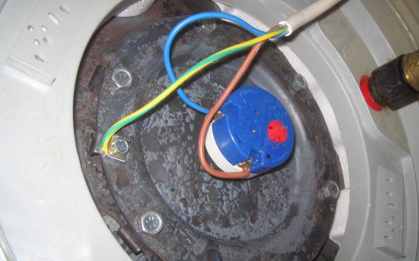 Comment régler le thermostat du chauffe-eau ?