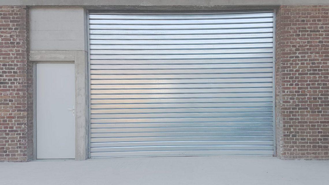 Comment maintenir et réparer un rideau métallique?
