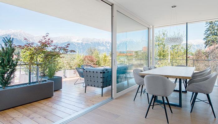 Huisseries modernes et baies vitrées : les meilleurs produits minimalistes du moment