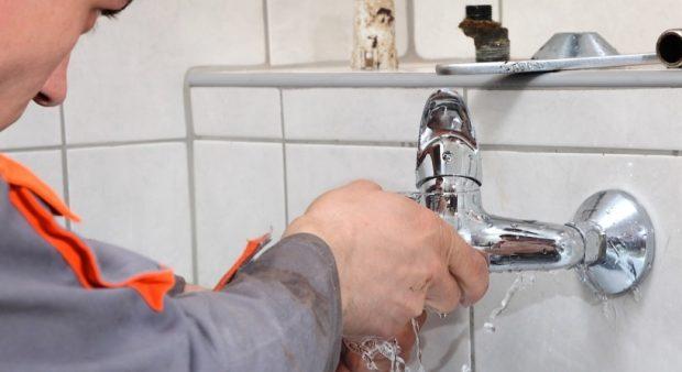Comment détecter une fuite d'eau sous un carrelage ?